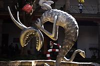 El cineasta y director Tim Burton, visito hoy el Museo Franz Mayer de la Ciudad de M&eacute;xico donde ayer superviso el montaje de la exposici&oacute;n &quot;El mundo de Tim Burton&quot; que abri&oacute; sus puertas al p&uacute;blico este 6 de diciembre. La muestra El mundo de Tim Burton expone 40 a&ntilde;os de creaciones del cineasta, entre las 400 piezas destacadas, esculturas, pinturas y textos, instalaciones que detallan el mundo fant&aacute;stico y surrealista donde habitan extraterrestres antropomorfos, divertidos marcianos, personajes carnavalescos, payasos con tres ojos, monstruos c&oacute;micamente grotescos, muertos tristes, ni&ntilde;os robots o fantasmas burlones. (Foto: Francisco Morales/DammPhoto/NortePhoto) <br /> <br /> The filmmaker and director Tim Burton, today visited the Franz Mayer Museum in Mexico City where yesterday he supervised the assembly of the exhibition &quot;The world of Tim Burton&quot; that opened its doors to the public this December 6. The exhibition The world of Tim Burton exposes 40 years of creations of the filmmaker, among the 400 outstanding pieces, sculptures, paintings and texts, installations that detail the fantastic and surreal world inhabited by anthropomorphic aliens, funny Martians, carnival characters, clowns with three eyes , comically grotesque monsters, sad dead, robot children or mocking ghosts. (Photo: Francisco Morales/DammPhoto/NortePhoto)