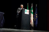 Milano: il segretario del Partito Democratico Pier Luigi Bersani Bersani parla a Milano durante un convegno sul futuro e l'Europa