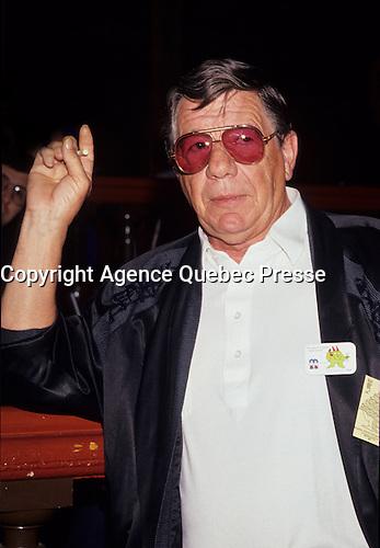 Claude Blanchard, April 1992<br /> <br /> Né le 19 mai 1932 à Joliette, Québec - 20 août 2006 à Montréal) était un acteur et chanteur canadien (québécois). Il a connu une longue et fructueuse carrière au théâtre, à la télévision et au cinéma, celle-ci s'étendant sur 60 ans. Il a des origines autochtones.<br /> <br /> À l'âge de 14 ans, il donne des spectacles de variétés avec sa s?ur Claudette et participe aux tournées de la troupe de Jean Grimaldi. Il fait partie, en 1947, du duo de danseurs Lucky Boys avec Mac Michel. Au milieu des années 1950, il forme un duo de chanson et de comédie burlesque avec Armande Cyr.<br /> <br /> Claude Blanchard fait ensuite équipe avec les comédiens Paul Desmarteaux, Paul Thériault et, surtout, Léo Rivest, qui sera son comparse sur scène pendant 25 ans.<br /> <br /> Durant les années 1960, il devient un invité régulier des émissions de télévision comiques de CFTM Alors raconte et Les Trois Cloches. À la fin de la décennie, à la même antenne, il coanime avec Réal Giguère Madame est servie.<br /> <br /> Il prend alors la commande de sa propre émission de variétés, de 1970 à 1974, et fait naître le personnage de « Nestor, l'enfant terrible ». À l'été 1980, Nestor revient sur scène et sur disque avec Patof, le temps de quelques spectacles au Parc Belmont.<br /> <br /> L'acteur jouera dans de nombreux téléromans au cours de sa carrière, dont En haut de la pente douce (SRC, 1959-1961), La Montagne du Hollandais (TVA, 1992-1994), Montréal, ville ouverte (SRC, 1991), Montréal, PQ (SRC, 1991-1995), Omertà (SRC, 1996-1999) et Virginie (SRC, depuis 1996).<br /> <br /> Claude Blanchard avait tout le bagage pour interpréter des mafiosi, et ce n'est pas surprenant, l'homme n'ayant jamais caché sa profonde amitié pour la famille Cotroni, et plus particulièrement pour Vic, avec qui il dirigera le French Casino au milieu des années 50.<br /> <br /> «Les Cotroni sont plus que des amis, ce sont mes frères», a-t-il souvent répété. «Nous avons été élevés