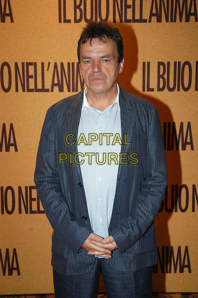 "NEIL JORDAN.Premiere  ""Il buio nell'anima"" - ""The Brave One"",.Rome, Italy, 18th September 2007..half length blue suit.CAP/CAV.©Luca Cavallari/Capital Pictures."