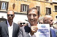 Roma , 19 Luglio 2012.Piazza del Pantheon.Il Popolo della Libertà inizia la campagna per chiedere l'elezione diretta del Presidente della Repubblica. Nella foto Ignazio La Russa .