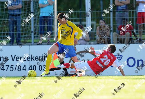 2012-07-24 / Voetbal / seizoen 2012-2013 / Kapellen - Antwerp FC / Seppe Kil (Antwerp) met een tackle op Bart Van Zundert..Foto: Mpics.be