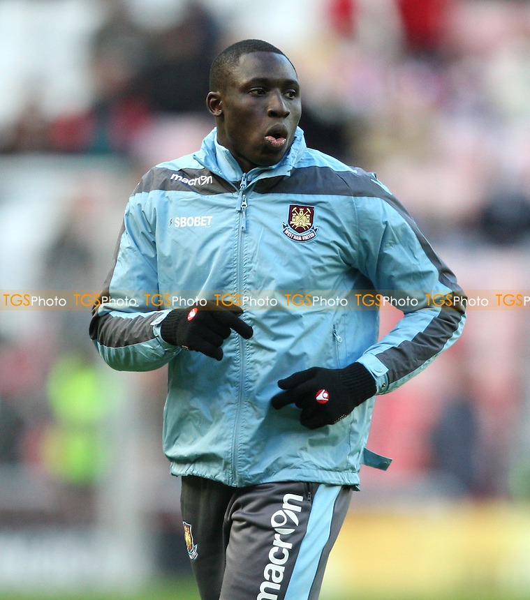 Mohamed Diame of West Ham back from injury - Sunderland vs West Ham United, Barclays Premier League at The Stadium of Light, Sunderland - 12/01/13 - MANDATORY CREDIT: Rob Newell/TGSPHOTO - Self billing applies where appropriate - 0845 094 6026 - contact@tgsphoto.co.uk - NO UNPAID USE.