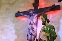 SÃO PAULO,SP, 28.10.2014 - DIA DE SÃO JUDAS TADEU - Movimentação de fiéis na igreja de São Judas Tadeu na região sul da cidade de São Paulo nesta terça-feira, 28 (Foto Vanessa Carvalho/Brazil Photo Press)