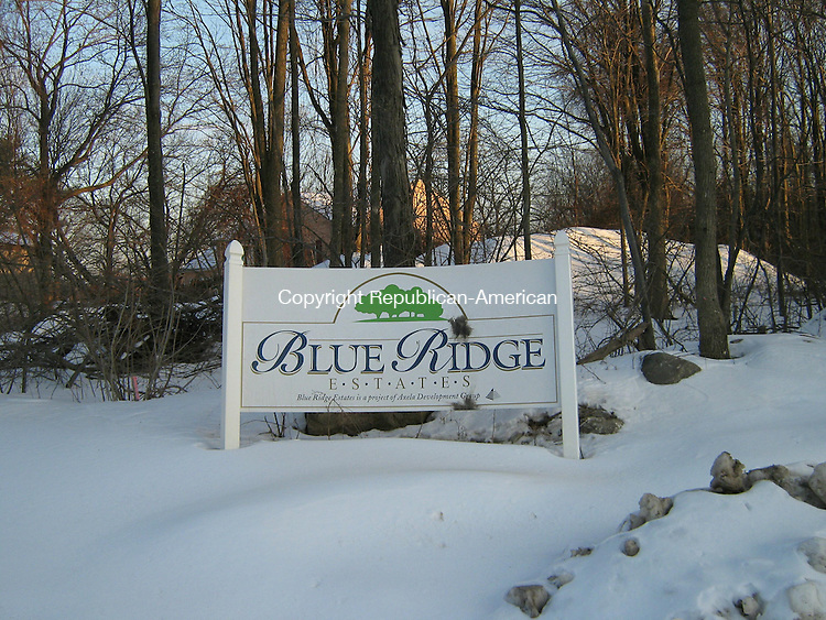 Waterbury, CT - 6 Feb. 2009 - 020609AL03 - The U.S. Postal Service won't provide home delivery to residents of Blue Ridge Estates, a 54-unit subdivision off Boyden Street in Waterbury.