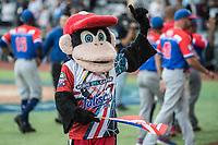 los Criollos de Caguas de Puerto Rico, celebran el pase a la final de la Serie del Caribe al derrotar 6 carreras por 5 a los Caribes de Anzoátegui de Venezuela, durante la Serie del Caribe en estadio Panamericano en Guadalajara, México, Miércoles 7 feb 2018.  (Foto: AP/Luis Gutierrez)