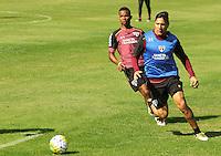 SÃO PAULO,SP,28.07.2016 - FUTEBOL-SÃO PAULO - Thiago Mendes (e) e Chávez durante treino técnico da equipe no Ct da Barra Funda zona oeste da cidade, na manhã desta quinta-feira (28). (Foto : Marcio Ribeiro / Brazil Photo Press)