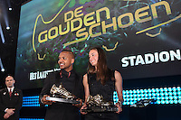 20170208 – LINT ,  BELGIUM : Tessa Wullaert (R) and Jose Izquierdo (L) pictured during the  63nd men edition of the Golden Shoe award ceremony and 1st Women's edition, Wednesday 8 February 2017, in Lint AED studio. The Golden Shoe (Gouden Schoen / Soulier d'Or) is an award for the best soccer player of the Belgian Jupiler Pro League championship during the year 2016. The female edition is a first in Belgium.  PHOTO DIRK VUYLSTEKE   Sportpix.be