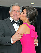Julie Chen plants a kiss on Les Moonves' cheek as they arrive for the 2013 White House Correspondents Association Annual Dinner at the Washington Hilton Hotel on Saturday, April 27, 2013..Credit: Ron Sachs / CNP.(RESTRICTION: NO New York or New Jersey Newspapers or newspapers within a 75 mile radius of New York City)