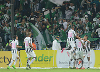 MEDELLÍN -COLOMBIA-31-10-2015. Jugadores de Atlético Nacional celebran después de anotar un gol a Millonarios durante partido por la fecha 17 de la Liga Aguila II 2015 jugado en el estadio Atanasio Girardot de la ciudad de Medellín./ Players of Atletico Nacional celebrate after scoring a goal to Millonarios during match for the 17th date of the Aguila League II 2015 played at Atanasio Girardot stadium in Medellin city. Photo: VizzorImage/León Monsalve/ Str