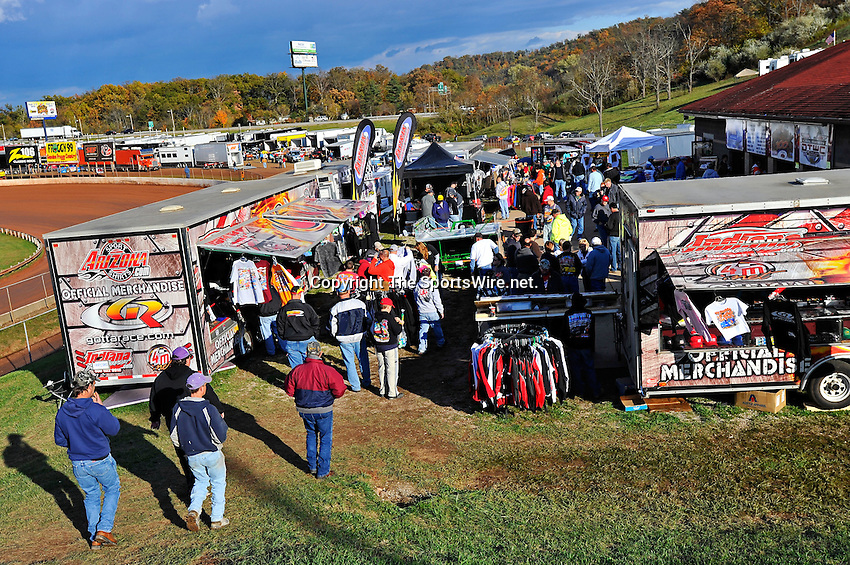 Oct 15, 2010; 4:57:04 PM;Mineral Wells,WV ., USA; The 30th Annual Dirt Track World Championship dirt late models 50,000-to-win event at the West Virginia Motor Speedway.  Mandatory Credit: (thesportswire.net)