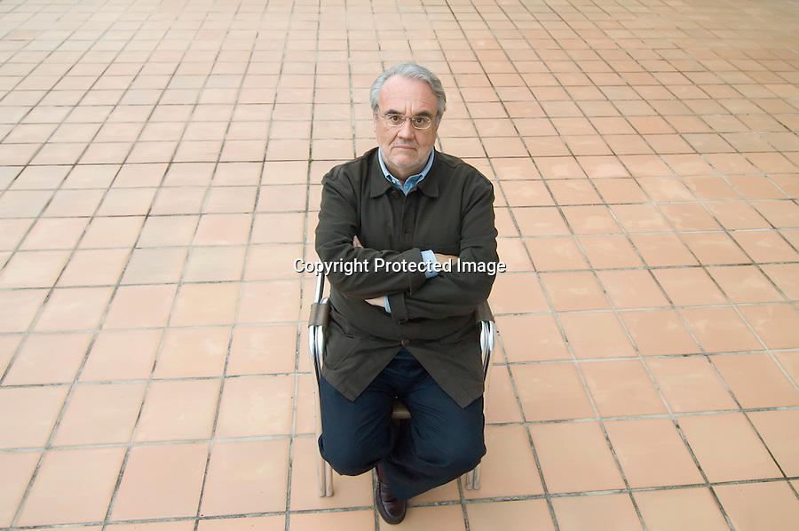 6 JULIO 2008 COMILLAS.El director de cine Manuel Gutierrez Aragon en el hotel GOLF ROVACIAS en la localidad de Comillas.FOTO JOAQUIN GOMEZ SASTRE