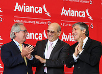 BOGOTA - COLOMBIA- 28 -05-2013 : Aerolíneas Integradas en Avianca Holdings S.A.,presentaron su marca comercial única :Avianca.De izquierda a derecha:Licenciado Roberto Kriete,Presidente de la Junta Directiva Avianca Holdings S.A.  ELl presidente de la Junta Directiva de Avianca señor Germán Efrómovich Y Fabio Villegas Ramírez ,Presidente  Ejecutivo y CEO de Avianca .  . Integrated into Avianca Airlines Holdings SA, presented their unique trademark: Avianca. left to right: Mr. Roberto Kriete, Chairman of the Board Avianca Holdings SA ELl Chairman of the Board Mr. Germán Efromovich Avianca And Fabio Villegas Ramirez, President and CEO of Avianca .  (Foto: VizzorImage / Felipe Caicedo /Staff).