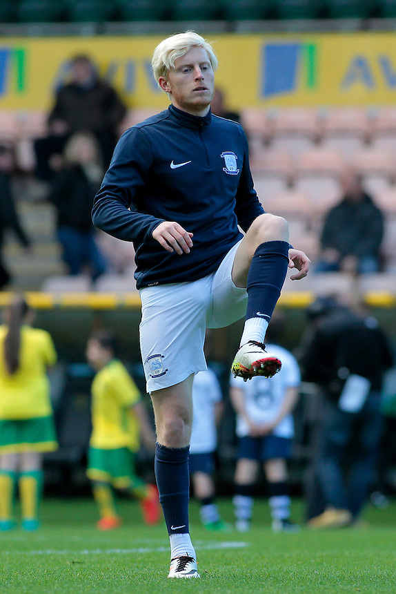 Preston North End's Ben Pringle during the pre-match warm-up <br /> <br /> Photographer David Shipman/CameraSport<br /> <br /> The EFL Sky Bet Championship - Norwich City v Preston North End - Saturday 22nd October 2016 - Carrow Road - Norwich<br /> <br /> World Copyright &copy; 2016 CameraSport. All rights reserved. 43 Linden Ave. Countesthorpe. Leicester. England. LE8 5PG - Tel: +44 (0) 116 277 4147 - admin@camerasport.com - www.camerasport.com