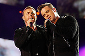 Sep 12, 2010: ROBBIE & GARY - Help for Heroes Concert - Twickenham Stadium London
