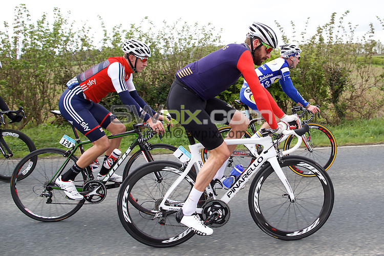 Pix: Shaun Flannery/SWpix.com<br /> <br /> 2nd May 2015<br /> 2015 Tour de Yorkshire<br /> Day 2 - Selby to York.<br /> Sir Bradley Wiggins and Joshua Edmondson team Great Britain.