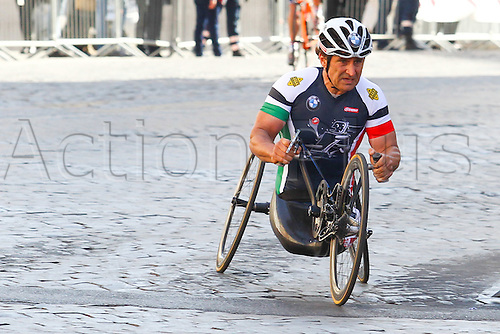 10.04.2016. Rome, Italy. 22nd annual Marathon of Rome City and Run for Fun. Alex Zanardi, italian champion on HandBike.
