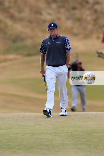 Brandt SNEDEKER (USA) at the 1st green during Thursday's Round 1 of the 2015 U.S. Open 115th National Championship held at Chambers Bay, Seattle, Washington, USA. 6/18/2015.<br /> Picture: Golffile | Eoin Clarke<br /> <br /> <br /> <br /> <br /> All photo usage must carry mandatory copyright credit (&copy; Golffile | Eoin Clarke)