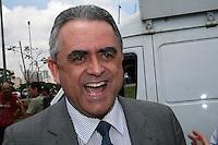 ATENÇÃO EDITOR: FOTO EMBARGADA PARA VEÍCULOS INTERNACIONAIS. – SÃO PAULO - SP – 05 DE NOVEMBRO 2012 –  JULGAMENTO DO CASO CORONEL UBIRATAN no Fórum Ministro Mário Guimarães  –  Dr Luiz Flávio Gomes, acompanha o julgamento. FOTO: MAURICIO CAMARGO / BRAZIL PHOTO PRESS.