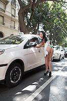 SÃO PAULO, SP, 07.10.2015 - MISS BUMBUM-SP - Candidatas ao concurso Miss Bumbum param o transito na esquina da Av São João com Av Ipiranga no centro de São Paulo nessa tarde de quarta-feira (07). (Foto: Marcelo Brammer/Brazil Photo Press)