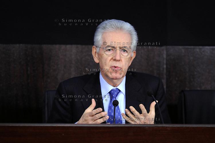 Roma, 20 Gennaio 2012.Conferenza stampa dopo il Consiglio dei Ministri sui decreti riguardanti le liberalizzazioni e la crescita economica.Il Presidente del consiglio Mario Monti