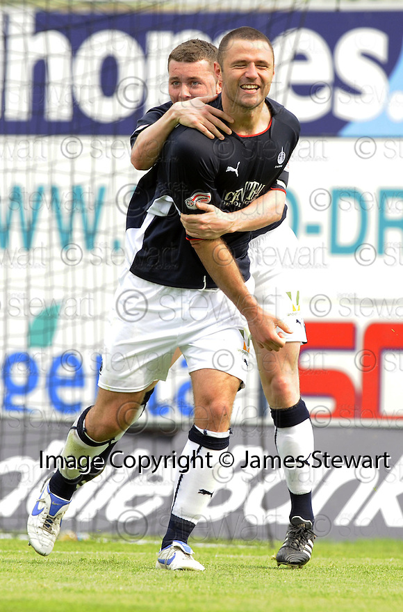 10/05/2008   Copyright Pic: James Stewart.File Name : sct_jspa15_falkirk_v_ict.MICHAEL HIGDON CELEBRATES SCORING THE FIRST.James Stewart Photo Agency 19 Carronlea Drive, Falkirk. FK2 8DN      Vat Reg No. 607 6932 25.Studio      : +44 (0)1324 611191 .Mobile      : +44 (0)7721 416997.E-mail  :  jim@jspa.co.uk.If you require further information then contact Jim Stewart on any of the numbers above........