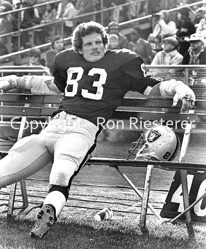 Oakland Raider linebacker Ted Hendricks..<br />(1976 photo/Ron Riesterer)