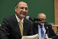 SAO PAULO, 03  DE MAIO DE 2012.  SEMINARIO INTERNACIONAL DE LIBERDADE DE EXPRESSÃO. O Governador Geraldo Alckmin durante o seminário internacional de Liberdade de expressão, na regiao da Av Paulista.FOTO: ADRIANA SPACA - BRAZIL PHOTO PRESS.