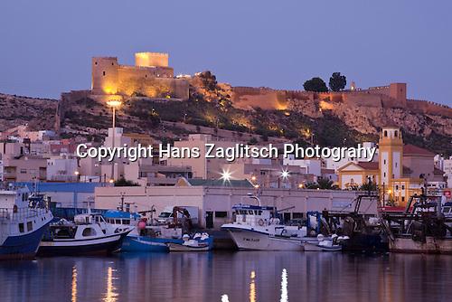 Blick auf den Hafen von Almeria und Alcazaba, Andalusien, Sapnien