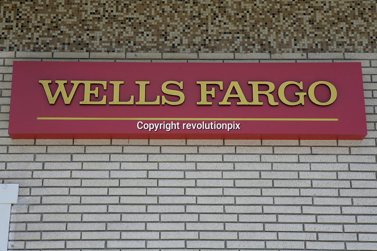 Wells Fargo<br /> Los Angeles<br /> June 17 2009<br /> Illustration of Wells Fargo branches in the Santa Monica area<br /> The Bank's Chief Executive John Stumpf said in a newspaper interview he would like the bank to repay the $25 billion it took from the Troubled Asset Relief Program as soon as practical, but he gave no time frame.<br /> ID revpix90617358