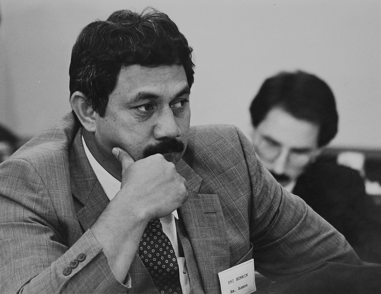 Delegate Eni Faleomavaega, D-American Samoan, at new member orientation. December 11, 1988. (Photo by Andrea Mohin/CQ Roll Call)