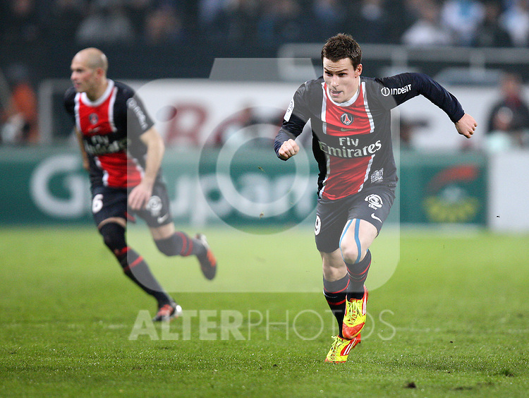 Kevin Gameiro attacks during the 15eme journée of the French Ligue 1 match between Olympique Marseille and Paris St Germain at the Stade Velodrome on November 27th, 2011 in Marseille, France. OM beat their rivals 3-0 in Le Clasico.