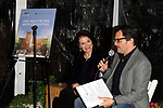 """LOS ANGELES - JAN 9: Sherry Lansing, Ben Mankiewicz at The Actors Fund's """"In The Spotlight"""" Living Room Salon Series launch with special guest Sherry Lansing at a private estate on January 9, 2018 in Beverly Hills, CA"""