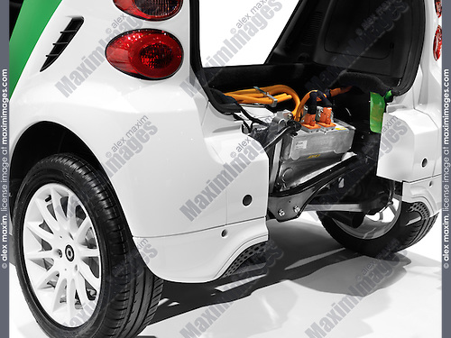 2012 Smart ForTwo Electric Drive open from behind showing the battery and the electric motor