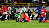 BOGOTÁ-COLOMBIA, 12-06-2019: Jown Cardona y Fabían Viafara de Deportivo Pasto, reaccionan al perder la final del partido de vuelta entre Deportivo Pasto y Atlético Junior de la final por la Liga Águila I 2019 jugado en el estadio Nemesio Camacho El Campín de la ciudad de Bogotá. / Jown Cardona and Fabian Viafara of Deportivo Pasto, react when losing the final of the second round between Deportivo Pasto and Atletico Junior of the final for the Aguila Leguaje I 2019 played at the Nemesio Camacho El Campin Stadium in Bogota city, Photo: VizzorImage / Gabriel Aponte / Staff.