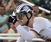 CALI - COLOMBIA - 17-01-2015: Maximilian Levy de Alemania, celebra victoria en la prueba del Keirin en el Velodromo Alcides Nieto Patiño, sede de la III Copa Mundo UCI de Pista de Cali 2014-2015  / Maximilian Levy of Germany, celebrates the victory in the race of Keirin in the Alcides Nieto Patiño Velodrome, home of the III Cali Track World Cup 2014-2015 UCI. Photos: VizzorImage / Luis Ramirez / Staff.