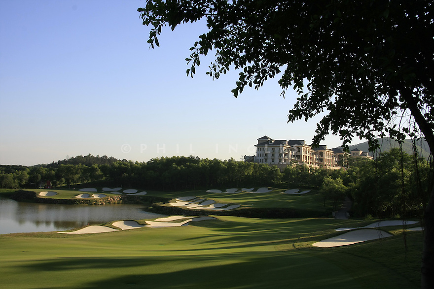 15th hole Olazabal Course, Mission Hills Golf Club, Shenzhen, China. Picture Credit / Phil Inglis