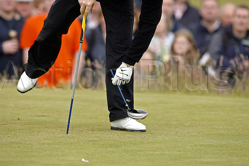20 July 2007: South African golfer Rory Sabbatini (RSA) snaps his club in disgust after driving from the 15th tee during the second round of The Open Championship at Carnoustie, Scotland. Photo: Glyn Kirk/Actionplus....070720 golf british break