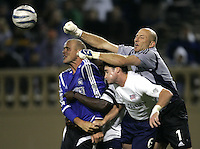 2 April 2005: Matt Reis, Revolution GK, knocks the ball away during the corner kick during the second half at Spartan Stadium in San Jose, California.   Credit: Michael Pimentel / ISI