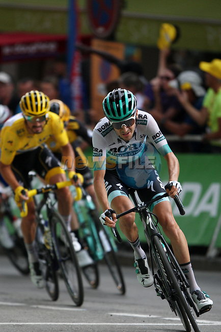 Emanuel Buchmann (GER) Bora-Hansgrohe and Yellow Jersey Julian Alaphilippe (FRA) Deceuninck-Quick Step take the final bend at the end of Stage 18 of the 2019 Tour de France running 208km from Embrun to Valloire, France. 25th July 2019.<br /> Picture: John Pierce/PhotoSport Int. | Cyclefile<br /> All photos usage must carry mandatory copyright credit (© Cyclefile | John Pierce/PhotoSport Int.)