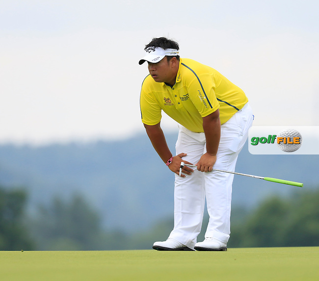 Kiradech Aphibarnrat (THA) on the 3rd green during Friday's Round 1 of the 2016 U.S. Open Championship held at Oakmont Country Club, Oakmont, Pittsburgh, Pennsylvania, United States of America. 17th June 2016.<br /> Picture: Eoin Clarke | Golffile<br /> <br /> <br /> All photos usage must carry mandatory copyright credit (&copy; Golffile | Eoin Clarke)