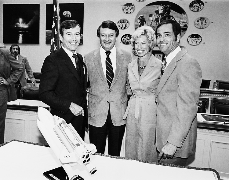 From left: John Young, Rep. Don Fuqua, D-Fla., Nancy Firgua and Robert Crippen in 1975. (Photo by Keith Jewell/CQ Roll Call)