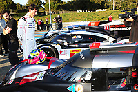 MARK WEBBER (AUS) HAVE LOOK AT THE AUDI