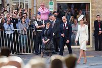 Le Prince William, Kate Middleton, le roi Philippe de Belgique et la reine Mathilde de Belgique assistent aux comm&eacute;morations du centenaire de la troisi&egrave;me Bataille d'Ypres, la Bataille de Passendale.<br /> Belgique, Ypres, 30 juillet 2017.<br /> Prince William &amp; Kate Middleton, the Duke and Duchess of Cambridge, accompanied by King Philippe of Belgium, Queen Mathilde of Belgium attend the Last Post ceremony at the Commonwealth War Graves Commission Ypres (Menin Gate) Memorial, celebrating the centenary of Passchendaele &ndash; The Third Battle of Ypres in Belgium.<br /> Belgium, Ypres, 30 July 2017.