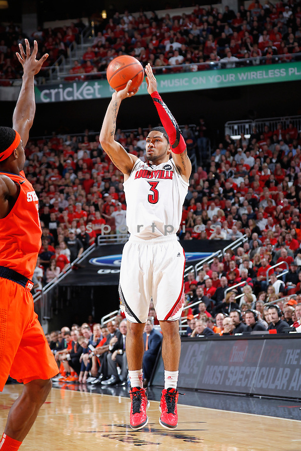 LOUISVILLE, KY - JANUARY 19: Peyton Siva #3 of the Louisville Cardinals shoots the ball against the Syracuse Orange during the game at KFC Yum! Center on January 19, 2013 in Louisville, Kentucky. Syracuse defeated Louisville 70-68. Peyton Siva