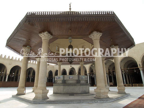 Mosque of Amr ibn al-As<br /> <br /> Located at the center of the mosque courtyard, the ablution fountain is the place where Muslims wash  themselves before going to pray at the Mosque of Amr in Cairo, Egypt. Year: 2009.
