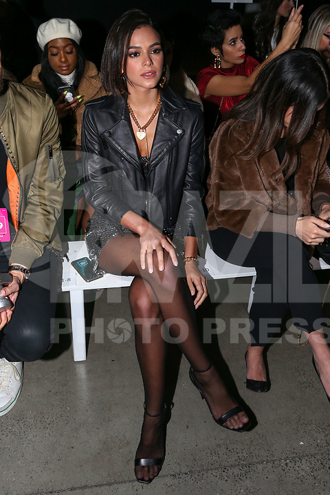 NOVA YORK,USA, 13.02.2019 - MODA-NOVA YORK - Bruna Marquezine durante desfile da grife Rosa Cha no New York Fashion Week (NYFW) em Nova York nesta quarta-feira, 13. (Foto: Vanessa Carvalho/Brazil Photo Press)