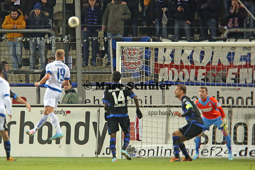 Kopfball Felix Burmeister (Arminia) - FSV Frankfurt vs. Arminia Bielefeld, Frankfurter Volksbank Stadion