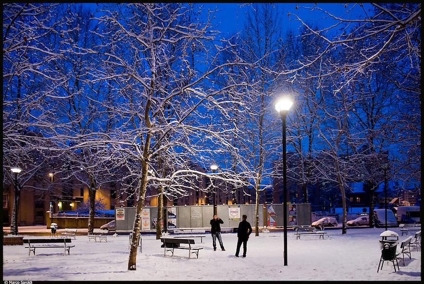 Barriera di Milano sotto la neve. Piazza Bottesini. Febbraio 2013