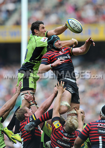 Phil Dowson competes with Steve Borthwick for the ball at a lineout. Aviva Premiership Final, between Saracens and Northampton Saints on May 31, 2014 at Twickenham Stadium in London, England. Photo by: Patrick Khachfe / JMP